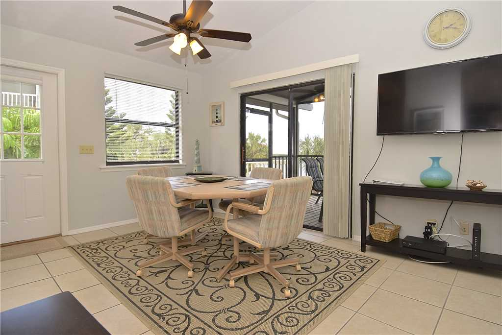 Bay Star #1 2 Bedrooms Bay Front Walk to a Beach WiFi Sleeps 4 House / Cottage rental in Fort Myers Beach House Rentals in Fort Myers Beach Florida - #4