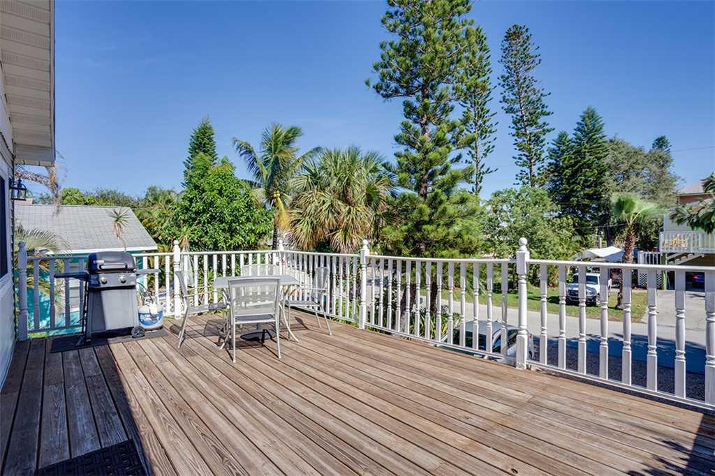 Beach Hideaway 3 bedrooms 2 Blocks from Beach WiFi Sleeps 8 House/Cottage rental in Fort Myers Beach House Rentals in Fort Myers Beach Florida - #2