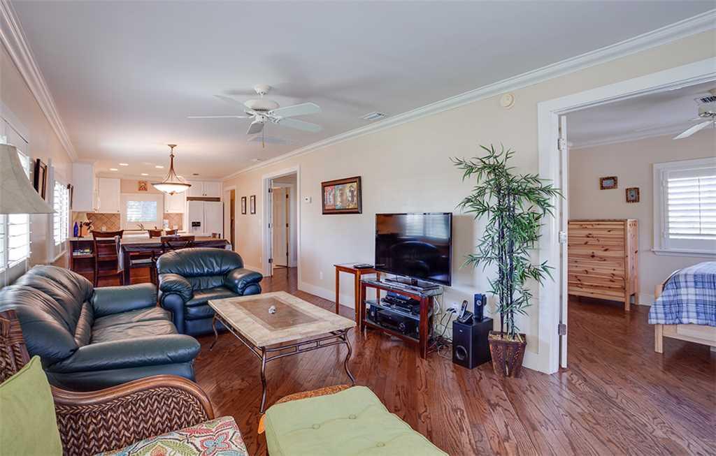 Beach Hideaway 3 bedrooms 2 Blocks from Beach WiFi Sleeps 8 House/Cottage rental in Fort Myers Beach House Rentals in Fort Myers Beach Florida - #3
