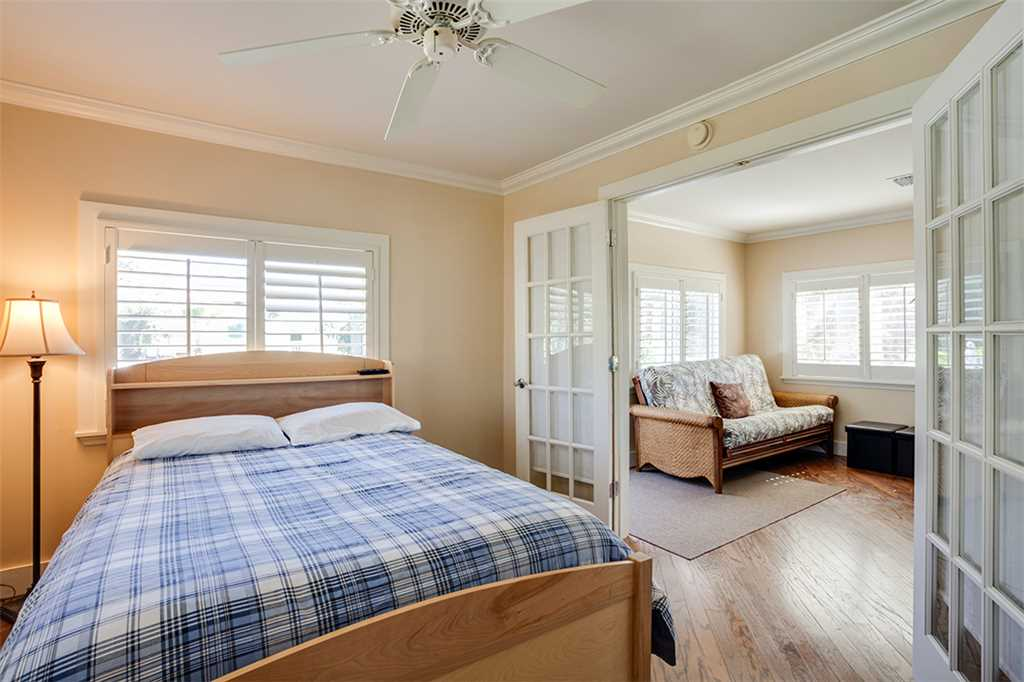 Beach Hideaway 3 bedrooms 2 Blocks from Beach WiFi Sleeps 8 House/Cottage rental in Fort Myers Beach House Rentals in Fort Myers Beach Florida - #12