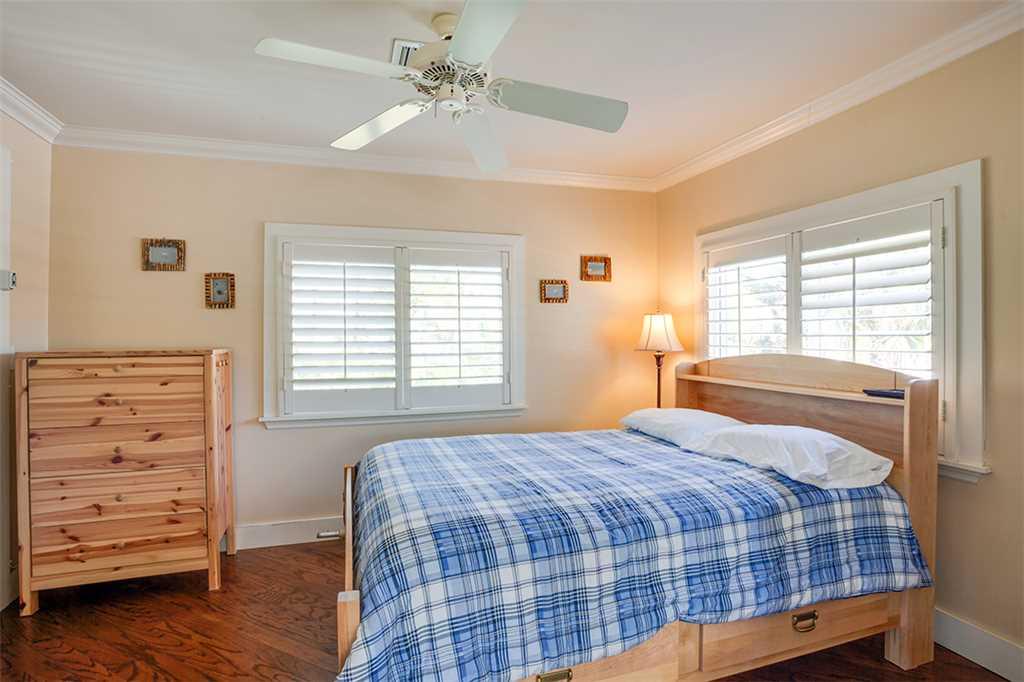 Beach Hideaway 3 bedrooms 2 Blocks from Beach WiFi Sleeps 8 House/Cottage rental in Fort Myers Beach House Rentals in Fort Myers Beach Florida - #13
