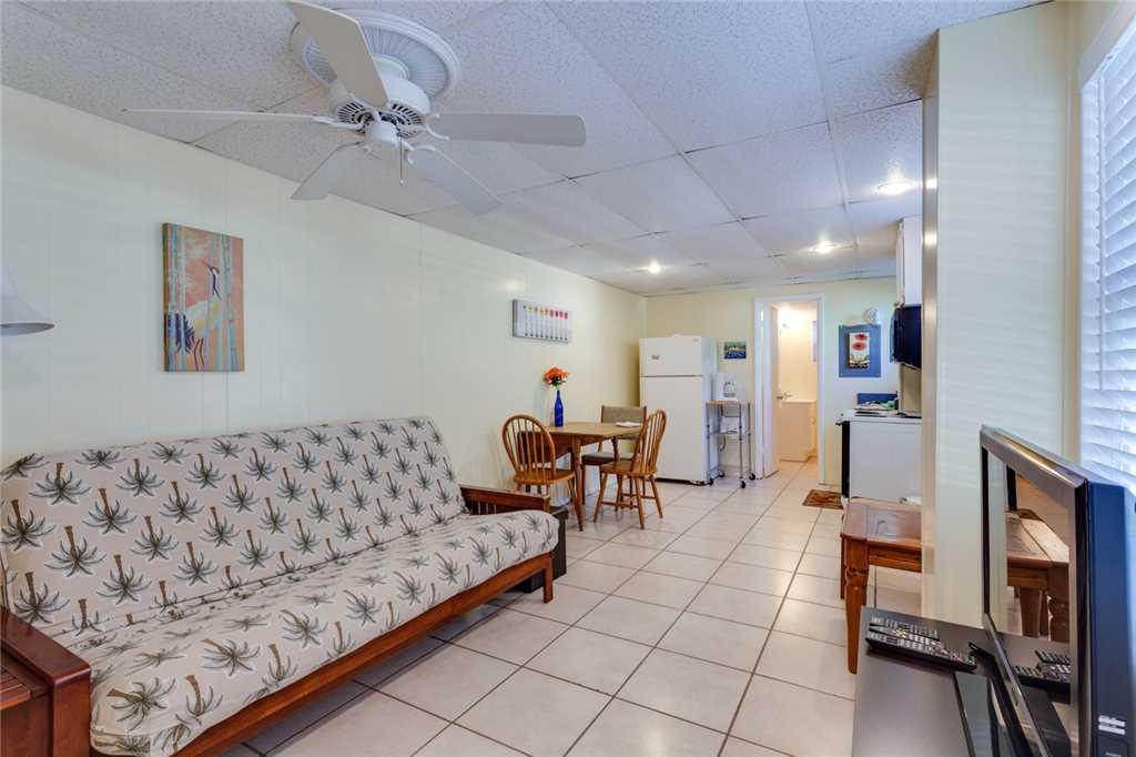 Beach Hideaway 3 bedrooms 2 Blocks from Beach WiFi Sleeps 8 House/Cottage rental in Fort Myers Beach House Rentals in Fort Myers Beach Florida - #18