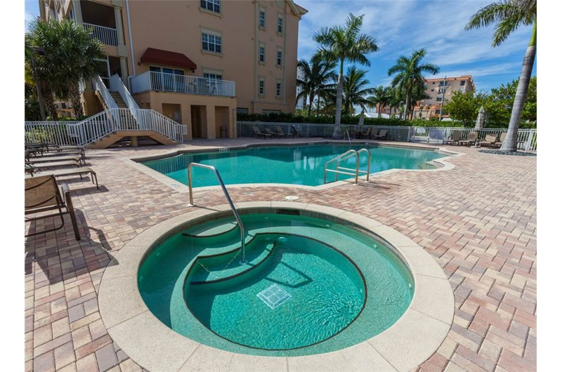 Fabulous pool and hot tub at Bella Lago in Fort Myers Beach Florida
