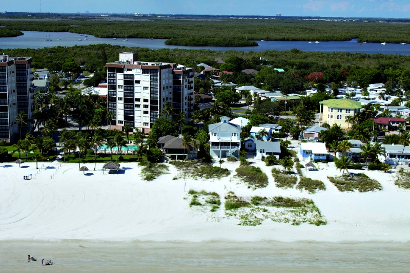 Caper Beach Club - https://www.beachguide.com/fort-myers-beach-vacation-rentals-caper-beach-club-8416666.jpg?width=185&height=185