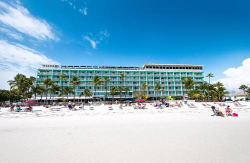 Lani Kai Beachfront Resort - https://www.beachguide.com/fort-myers-beach-vacation-rentals-lani-kai-beachfront-resort--1739-0-20168-5121.jpg?width=185&height=185