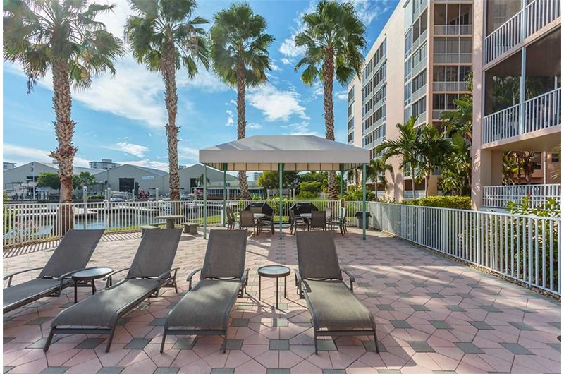 Have a lazy day on the sundeck at Palm Harbor in Fort Myers Beach FL