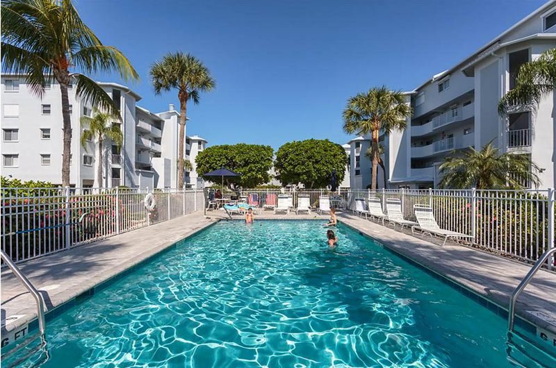 Royal Pelican - https://www.beachguide.com/fort-myers-beach-vacation-rentals-royal-pelican-8508754.jpg?width=185&height=185