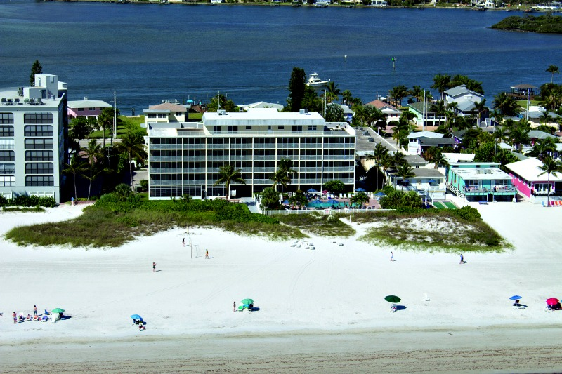 Windward Passage Resort - https://www.beachguide.com/fort-myers-beach-vacation-rentals-windward-passage-resort-8416813.jpg?width=185&height=185