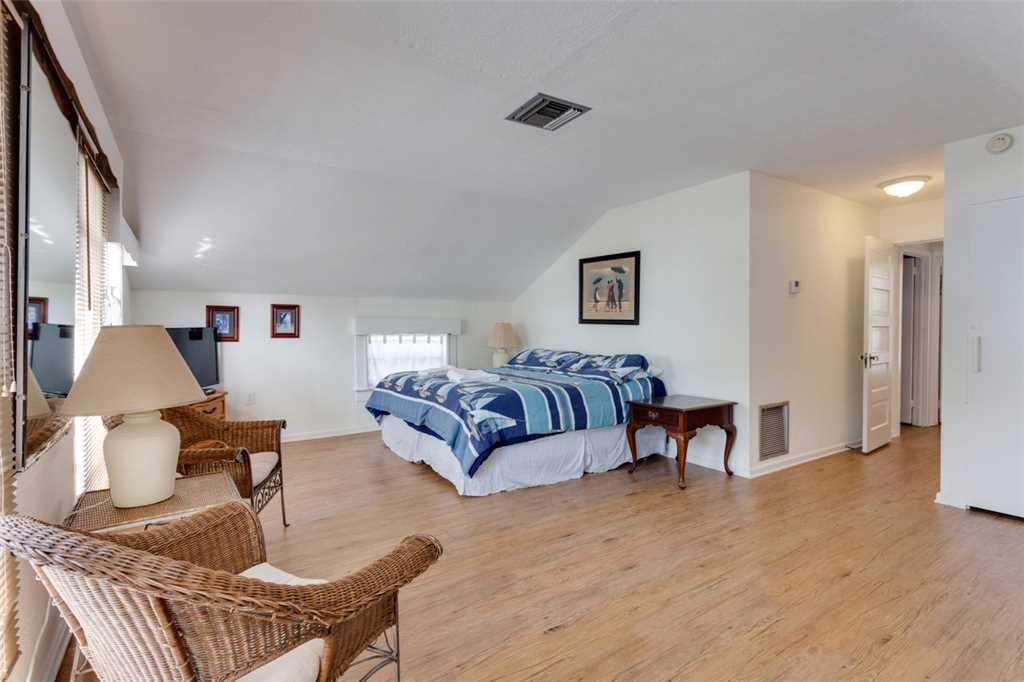 Beachfront Dunes 3 Bedrooms plus Den Gulf Front Pet Friendly Sleeps 8 House/Cottage rental in Fort Myers Beach House Rentals in Fort Myers Beach Florida - #12