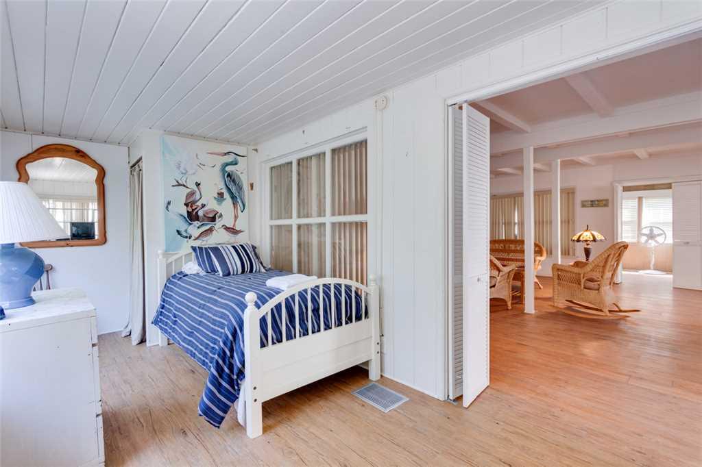 Beachfront Dunes 3 Bedrooms plus Den Gulf Front Pet Friendly Sleeps 8 House/Cottage rental in Fort Myers Beach House Rentals in Fort Myers Beach Florida - #15