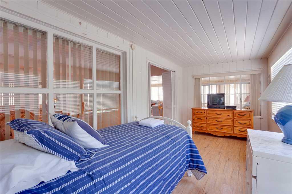Beachfront Dunes 3 Bedrooms plus Den Gulf Front Pet Friendly Sleeps 8 House/Cottage rental in Fort Myers Beach House Rentals in Fort Myers Beach Florida - #17