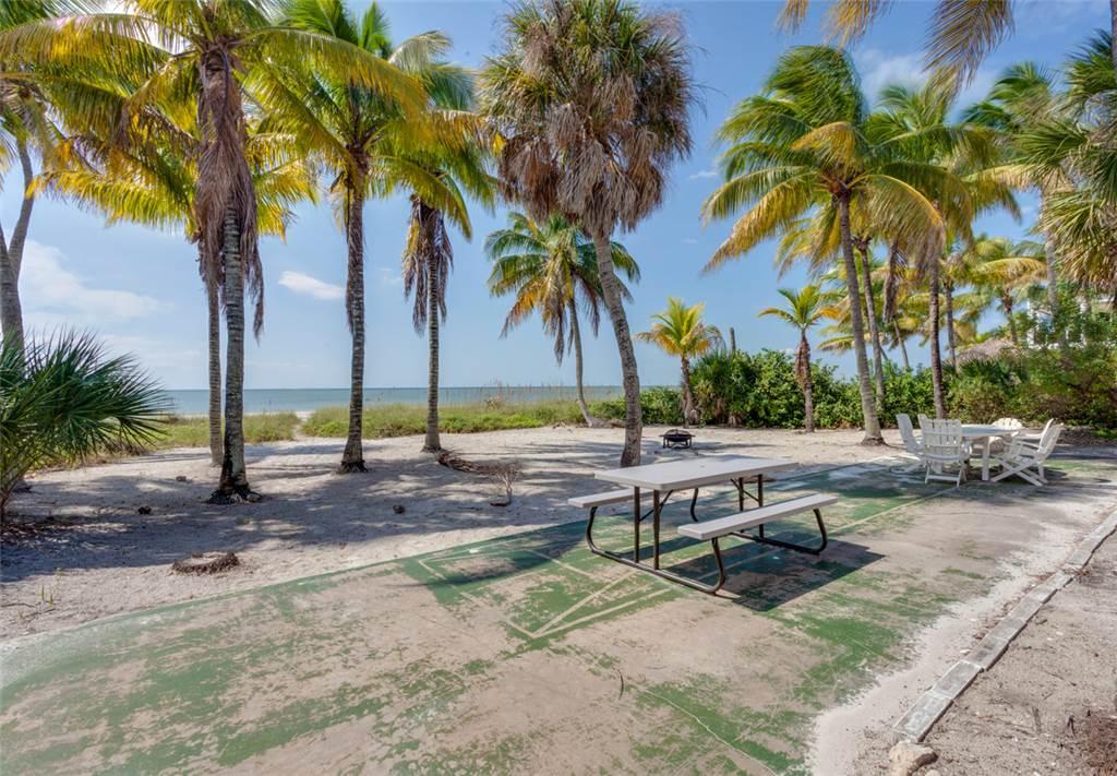 Beachfront Dunes 3 Bedrooms plus Den Gulf Front Pet Friendly Sleeps 8 House/Cottage rental in Fort Myers Beach House Rentals in Fort Myers Beach Florida - #22