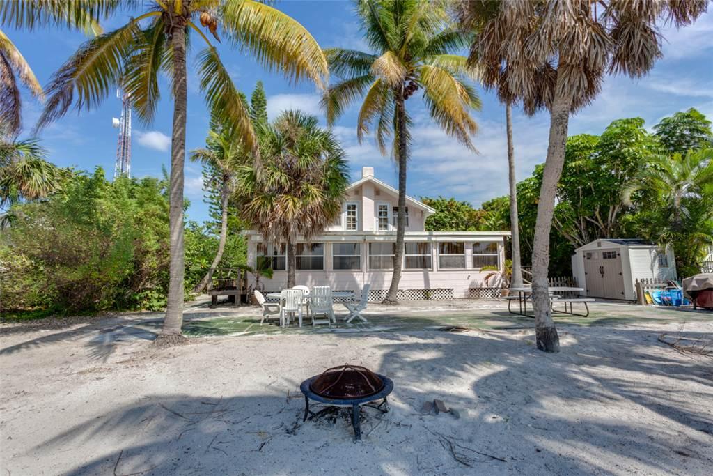 Beachfront Dunes 3 Bedrooms plus Den Gulf Front Pet Friendly Sleeps 8 House/Cottage rental in Fort Myers Beach House Rentals in Fort Myers Beach Florida - #24