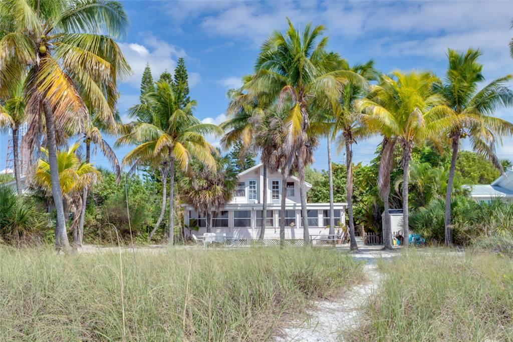 Beachfront Dunes 3 Bedrooms plus Den Gulf Front Pet Friendly Sleeps 8 House/Cottage rental in Fort Myers Beach House Rentals in Fort Myers Beach Florida - #25