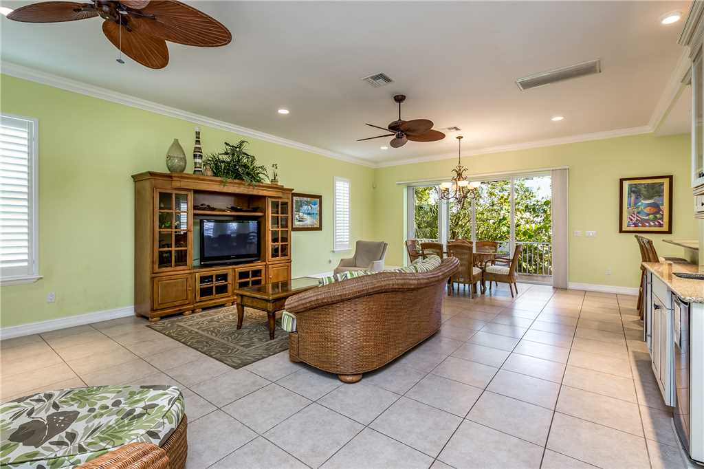 Delmar Dolphin 3 Bedrooms Bay Front Pool Elevator WiFi Sleeps 6 House/Cottage rental in Fort Myers Beach House Rentals in Fort Myers Beach Florida - #7
