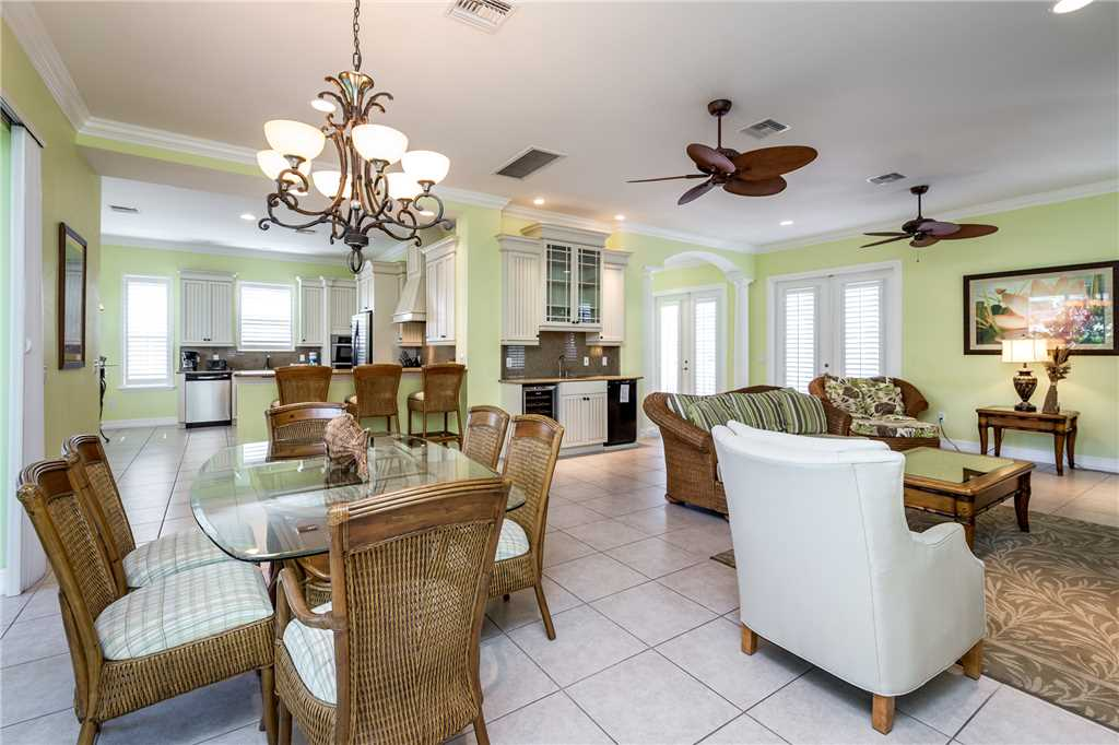 Delmar Dolphin 3 Bedrooms Bay Front Pool Elevator WiFi Sleeps 6 House/Cottage rental in Fort Myers Beach House Rentals in Fort Myers Beach Florida - #9