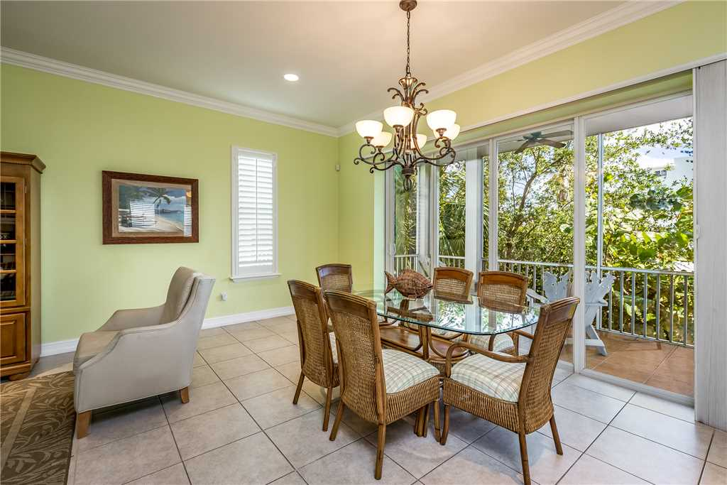 Delmar Dolphin 3 Bedrooms Bay Front Pool Elevator WiFi Sleeps 6 House/Cottage rental in Fort Myers Beach House Rentals in Fort Myers Beach Florida - #10