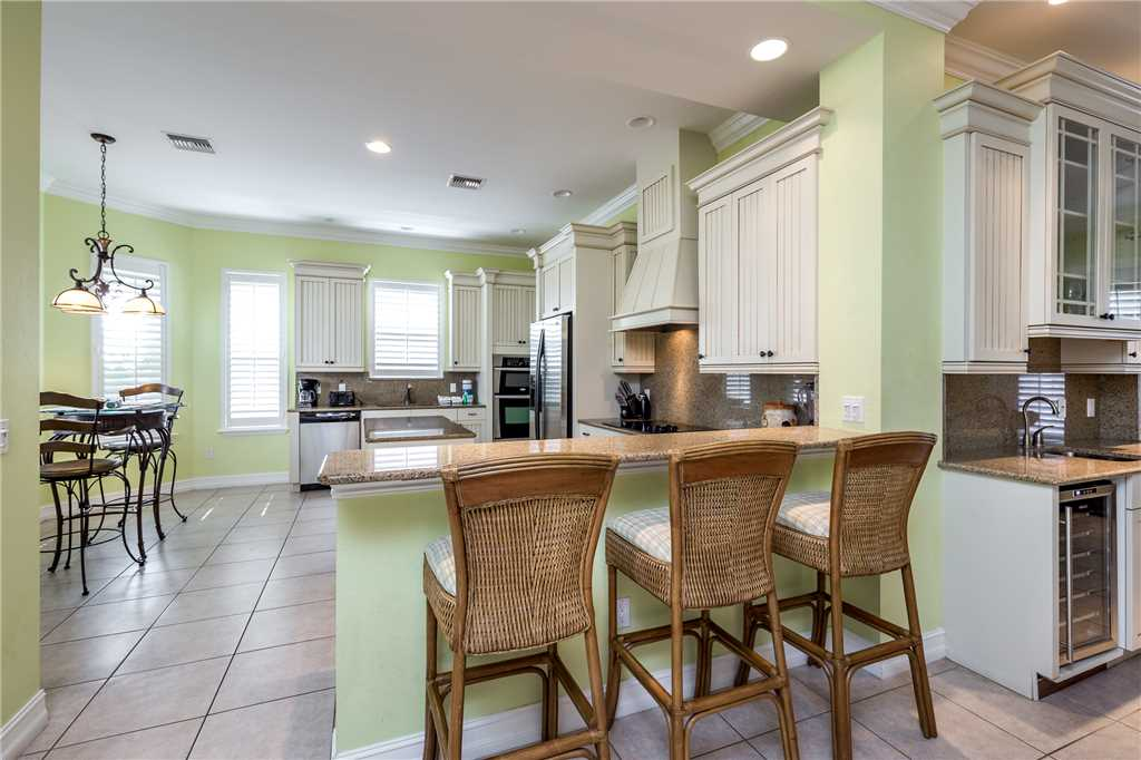 Delmar Dolphin 3 Bedrooms Bay Front Pool Elevator WiFi Sleeps 6 House/Cottage rental in Fort Myers Beach House Rentals in Fort Myers Beach Florida - #12