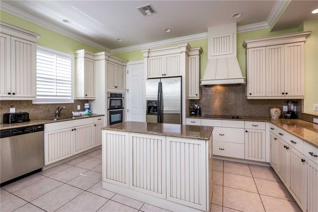 Delmar Dolphin 3 Bedrooms Bay Front Pool Elevator WiFi Sleeps 6 House/Cottage rental in Fort Myers Beach House Rentals in Fort Myers Beach Florida - #13