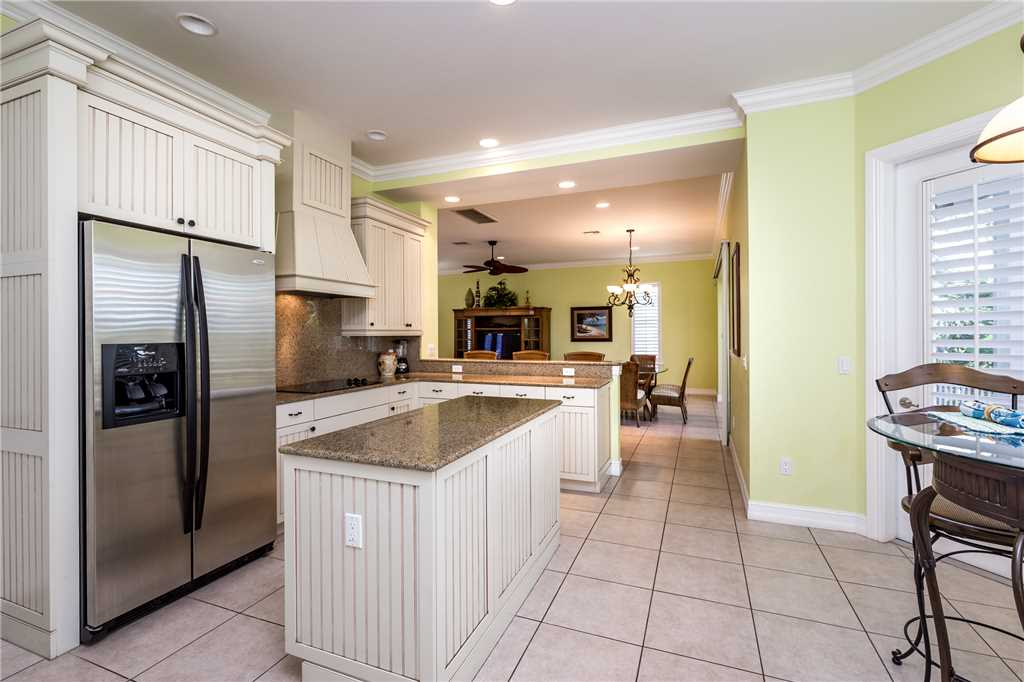 Delmar Dolphin 3 Bedrooms Bay Front Pool Elevator WiFi Sleeps 6 House/Cottage rental in Fort Myers Beach House Rentals in Fort Myers Beach Florida - #14