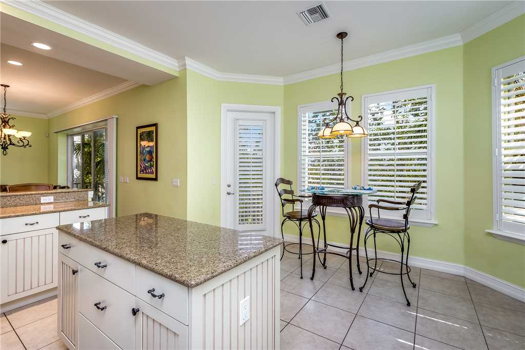 Delmar Dolphin 3 Bedrooms Bay Front Pool Elevator WiFi Sleeps 6 House/Cottage rental in Fort Myers Beach House Rentals in Fort Myers Beach Florida - #15