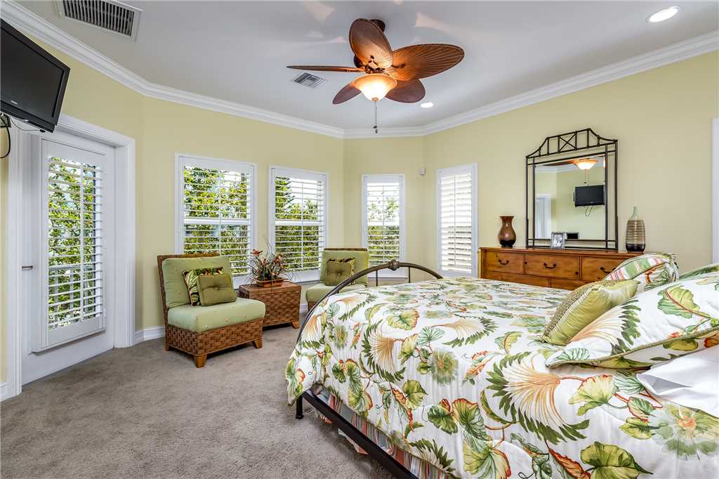Delmar Dolphin 3 Bedrooms Bay Front Pool Elevator WiFi Sleeps 6 House/Cottage rental in Fort Myers Beach House Rentals in Fort Myers Beach Florida - #19