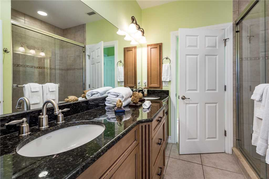 Delmar Dolphin 3 Bedrooms Bay Front Pool Elevator WiFi Sleeps 6 House/Cottage rental in Fort Myers Beach House Rentals in Fort Myers Beach Florida - #25