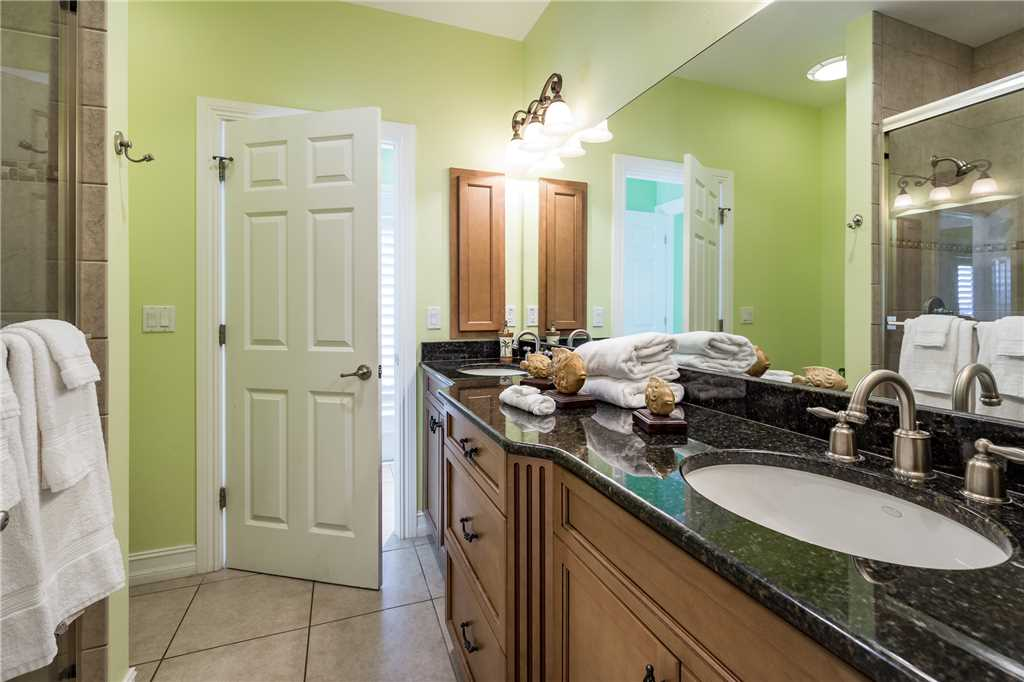 Delmar Dolphin 3 Bedrooms Bay Front Pool Elevator WiFi Sleeps 6 House/Cottage rental in Fort Myers Beach House Rentals in Fort Myers Beach Florida - #26
