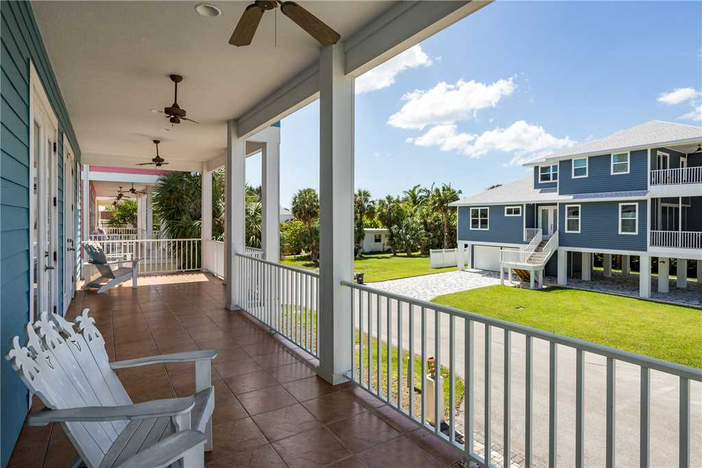 Delmar Dolphin 3 Bedrooms Bay Front Pool Elevator WiFi Sleeps 6 House/Cottage rental in Fort Myers Beach House Rentals in Fort Myers Beach Florida - #29