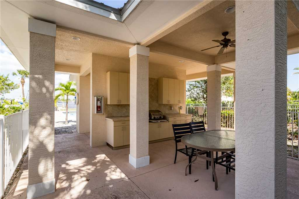 Delmar Dolphin 3 Bedrooms Bay Front Pool Elevator WiFi Sleeps 6 House/Cottage rental in Fort Myers Beach House Rentals in Fort Myers Beach Florida - #34