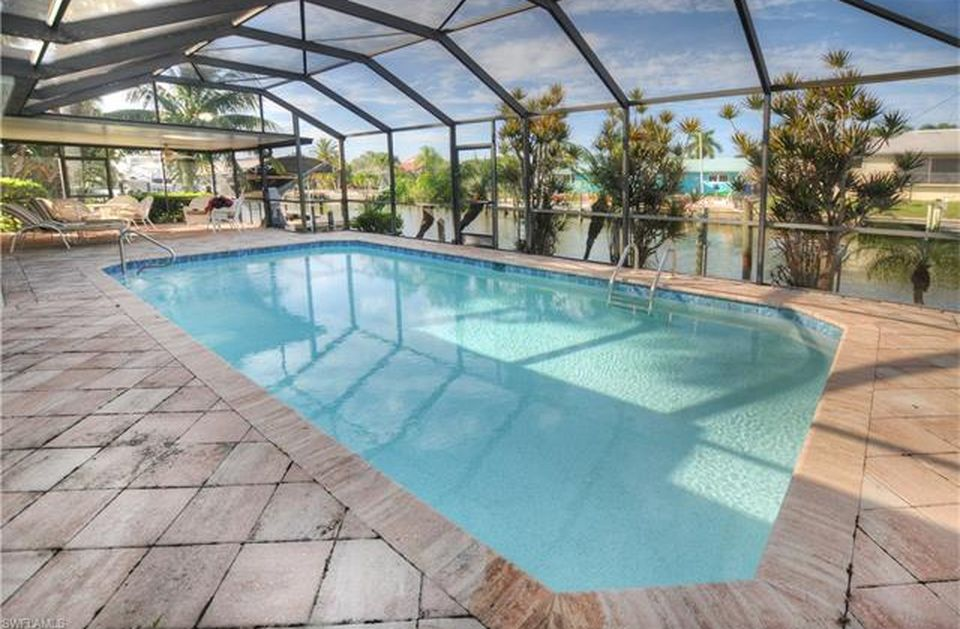 Flamingo Hideaway 3 bedrooms Private Pool Near Beach On Canal Sleeps 6 House / Cottage rental in Fort Myers Beach House Rentals in Fort Myers Beach Florida - #1