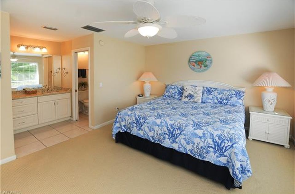 Flamingo Hideaway 3 bedrooms Private Pool Near Beach On Canal Sleeps 6 House / Cottage rental in Fort Myers Beach House Rentals in Fort Myers Beach Florida - #11