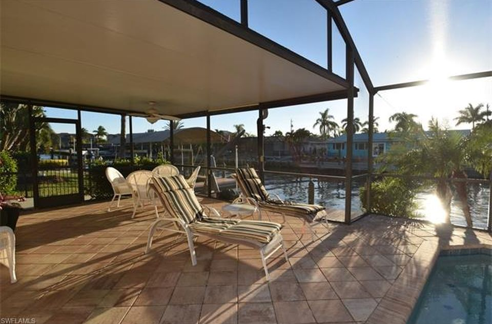 Flamingo Hideaway 3 bedrooms Private Pool Near Beach On Canal Sleeps 6 House / Cottage rental in Fort Myers Beach House Rentals in Fort Myers Beach Florida - #13