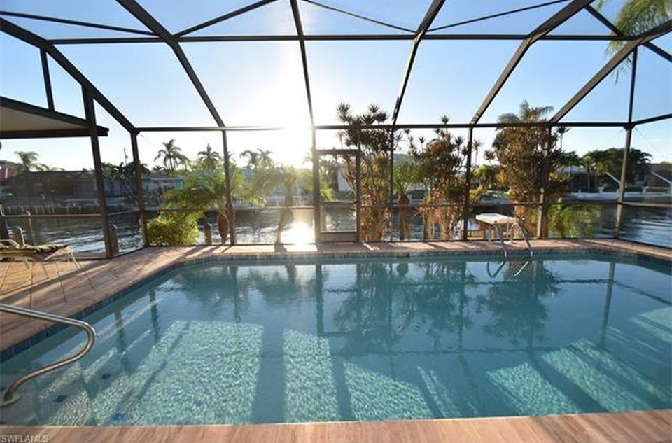 Flamingo Hideaway 3 bedrooms Private Pool Near Beach On Canal Sleeps 6 House / Cottage rental in Fort Myers Beach House Rentals in Fort Myers Beach Florida - #14