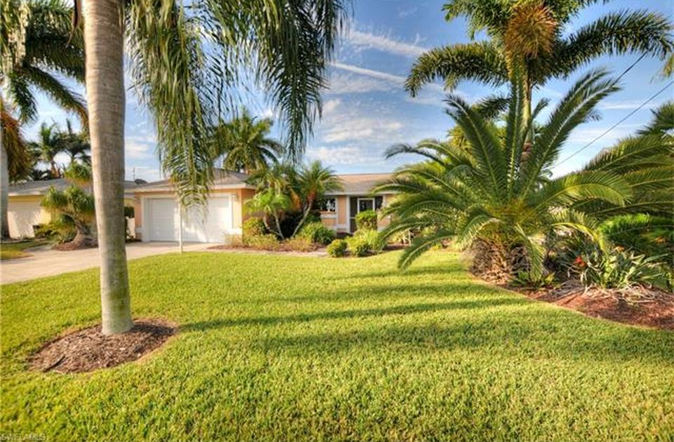 Flamingo Hideaway 3 bedrooms Private Pool Near Beach On Canal Sleeps 6 House / Cottage rental in Fort Myers Beach House Rentals in Fort Myers Beach Florida - #16