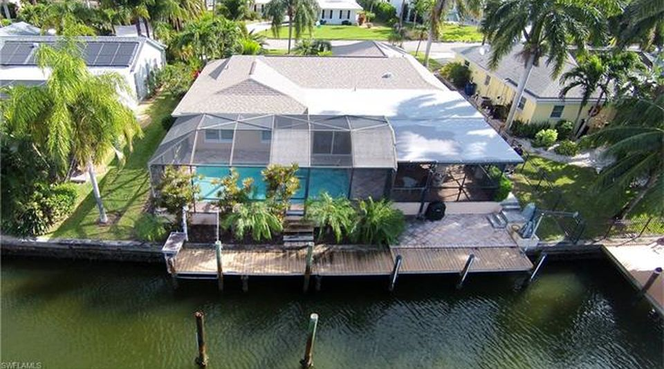 Flamingo Hideaway 3 bedrooms Private Pool Near Beach On Canal Sleeps 6 House / Cottage rental in Fort Myers Beach House Rentals in Fort Myers Beach Florida - #19