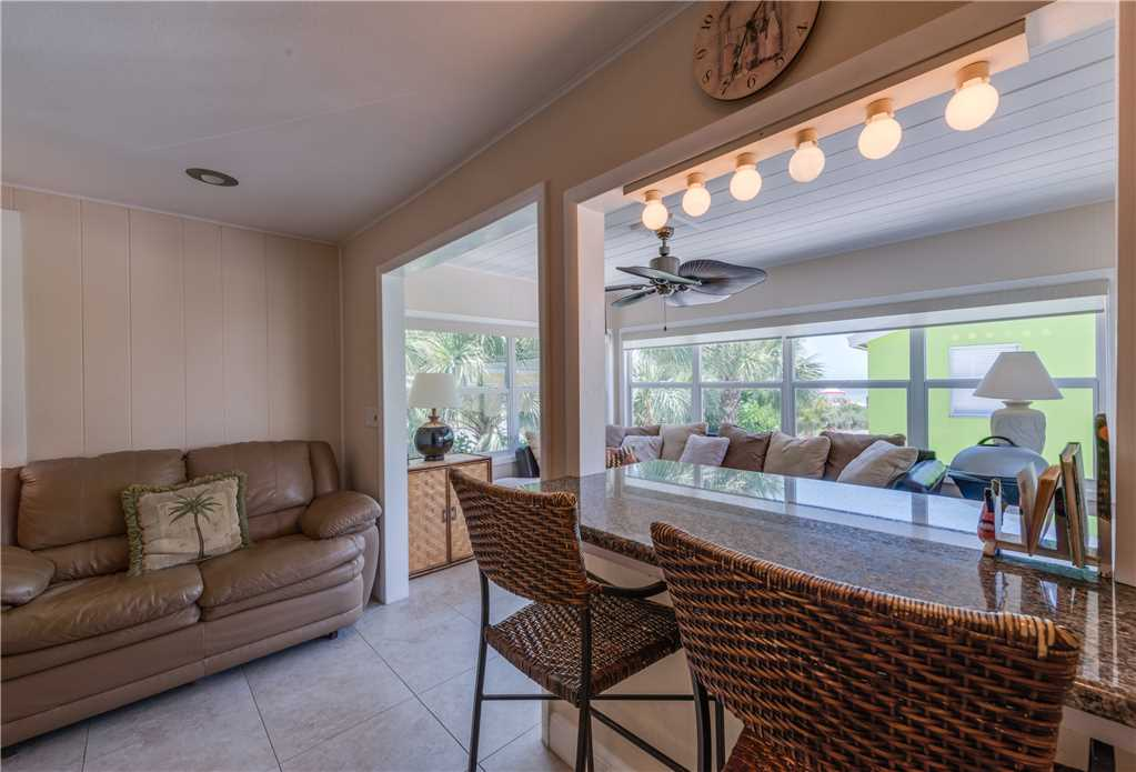 Gulf Beauty 2 Bedrooms Gulf Side Cottage Sleeps 4 House/Cottage rental in Fort Myers Beach House Rentals in Fort Myers Beach Florida - #10