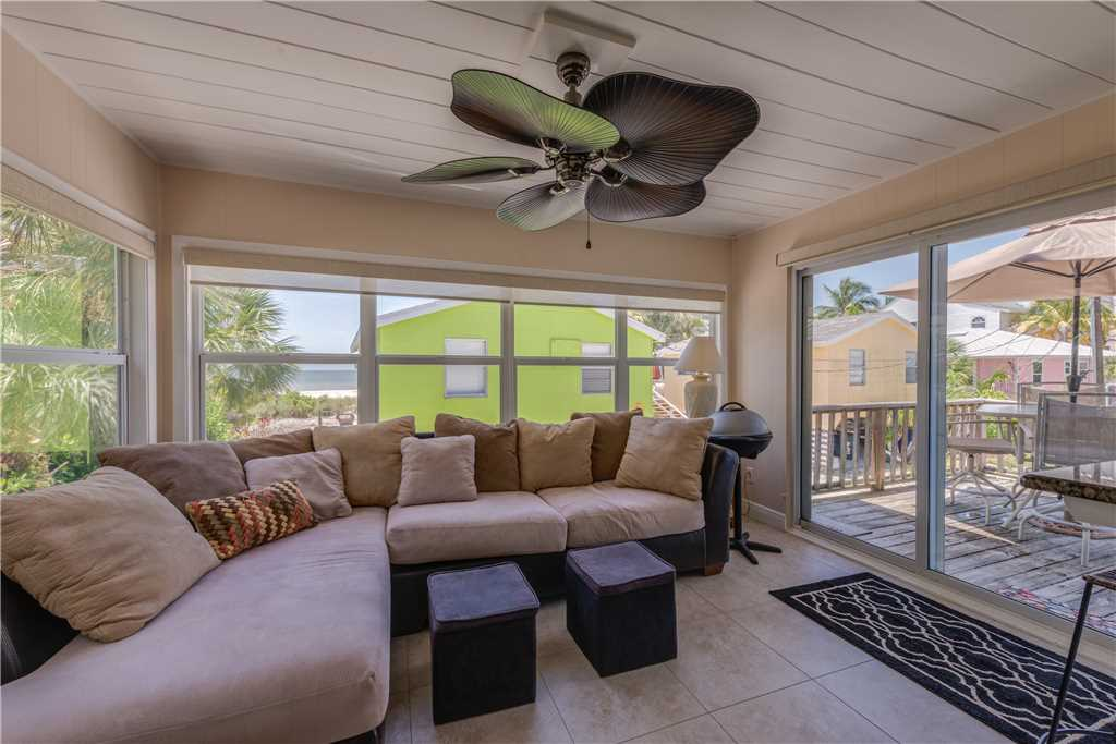 Gulf Beauty 2 Bedrooms Gulf Side Cottage Sleeps 4 House/Cottage rental in Fort Myers Beach House Rentals in Fort Myers Beach Florida - #12