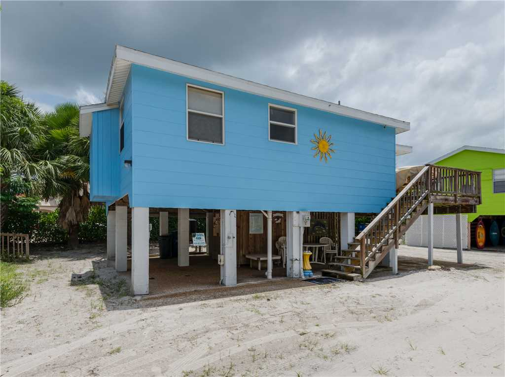Gulf Beauty 2 Bedrooms Gulf Side Cottage Sleeps 4 House/Cottage rental in Fort Myers Beach House Rentals in Fort Myers Beach Florida - #21