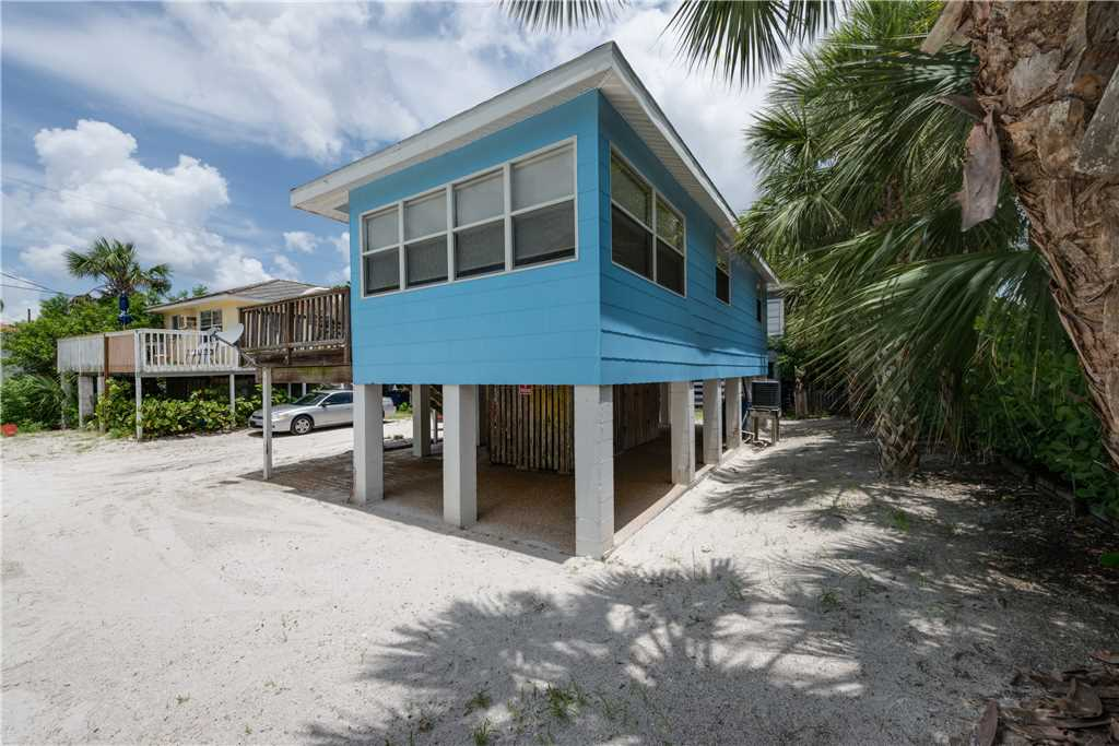 Gulf Beauty 2 Bedrooms Gulf Side Cottage Sleeps 4 House/Cottage rental in Fort Myers Beach House Rentals in Fort Myers Beach Florida - #23