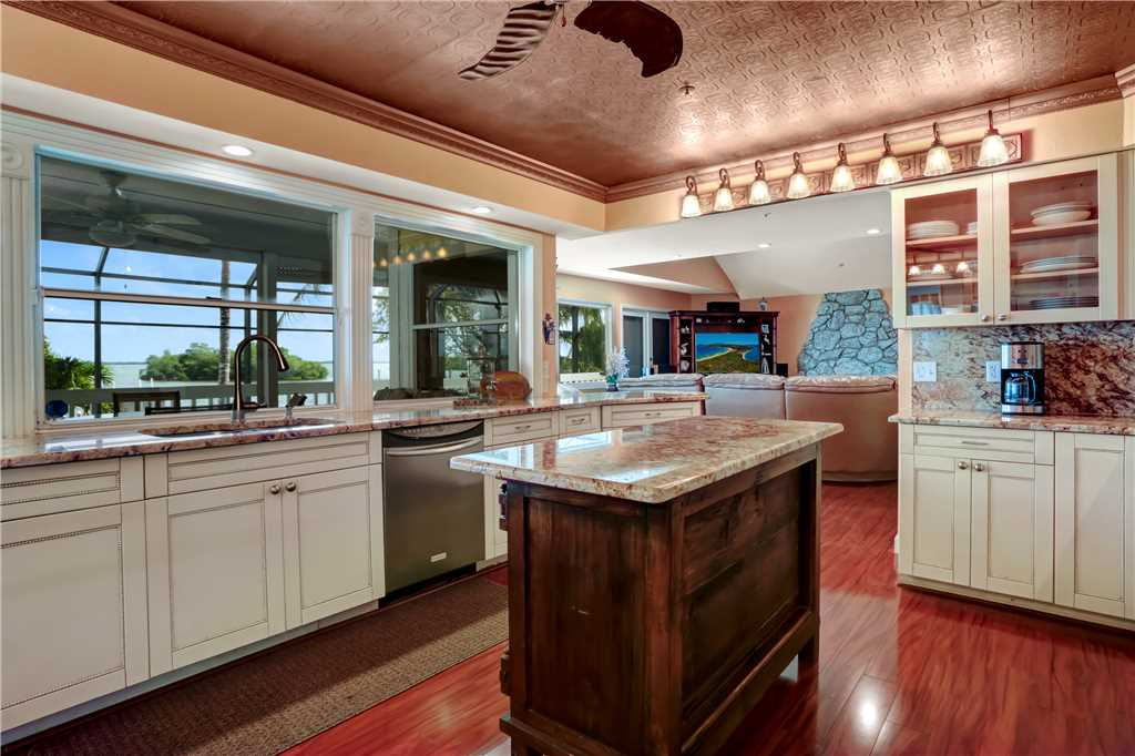 King Dolphin Hideaway 4 Bedrooms Private Heated Pool Spa Bay Views House/Cottage rental in Fort Myers Beach House Rentals in Fort Myers Beach Florida - #6