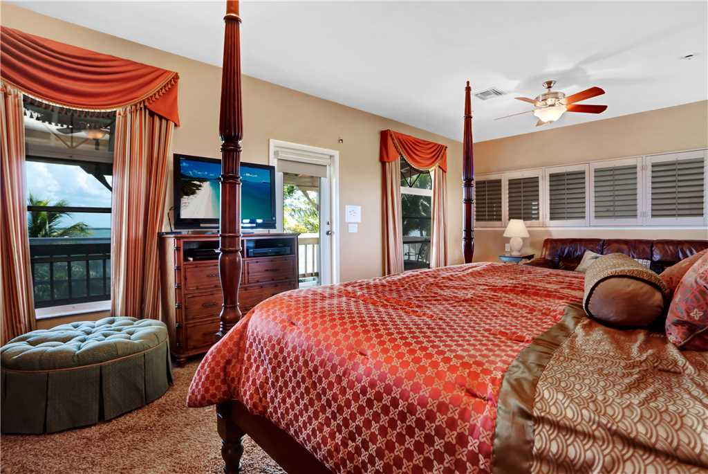 King Dolphin Hideaway 4 Bedrooms Private Heated Pool Spa Bay Views House/Cottage rental in Fort Myers Beach House Rentals in Fort Myers Beach Florida - #9