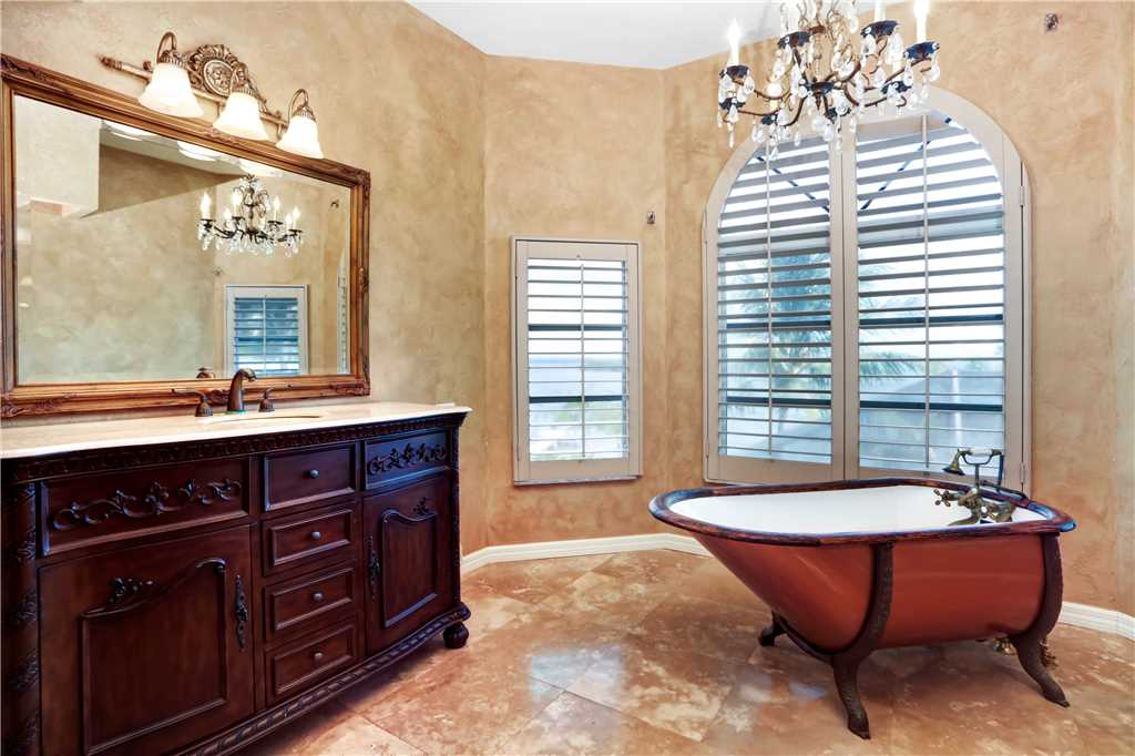 King Dolphin Hideaway 4 Bedrooms Private Heated Pool Spa Bay Views House/Cottage rental in Fort Myers Beach House Rentals in Fort Myers Beach Florida - #12