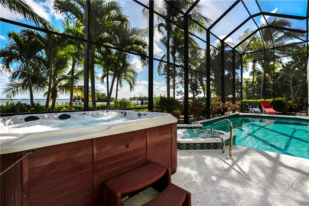 King Dolphin Hideaway 4 Bedrooms Private Heated Pool Spa Bay Views House/Cottage rental in Fort Myers Beach House Rentals in Fort Myers Beach Florida - #21