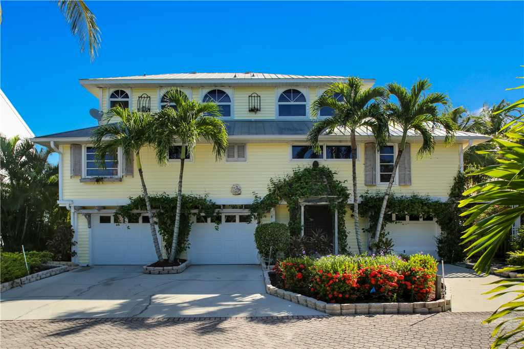 King Dolphin Hideaway 4 Bedrooms Private Heated Pool Spa Bay Views House/Cottage rental in Fort Myers Beach House Rentals in Fort Myers Beach Florida - #25
