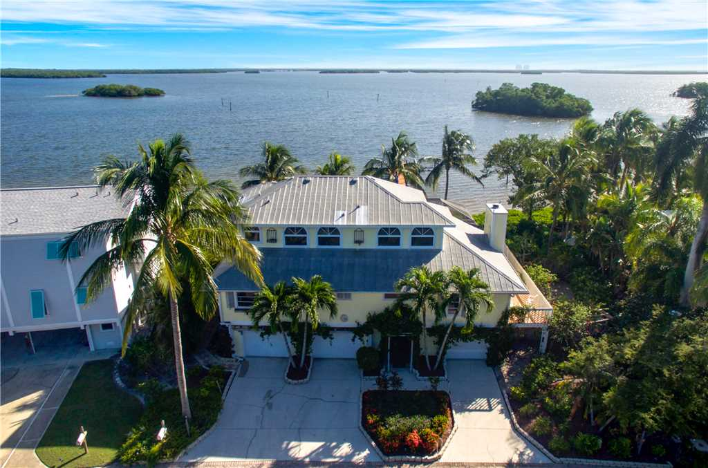King Dolphin Hideaway 4 Bedrooms Private Heated Pool Spa Bay Views House/Cottage rental in Fort Myers Beach House Rentals in Fort Myers Beach Florida - #26