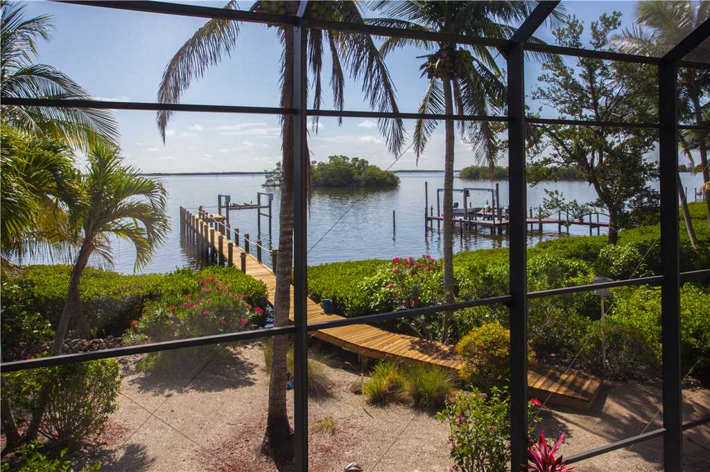 King Dolphin Hideaway 4 Bedrooms Private Heated Pool Spa Bay Views House/Cottage rental in Fort Myers Beach House Rentals in Fort Myers Beach Florida - #27