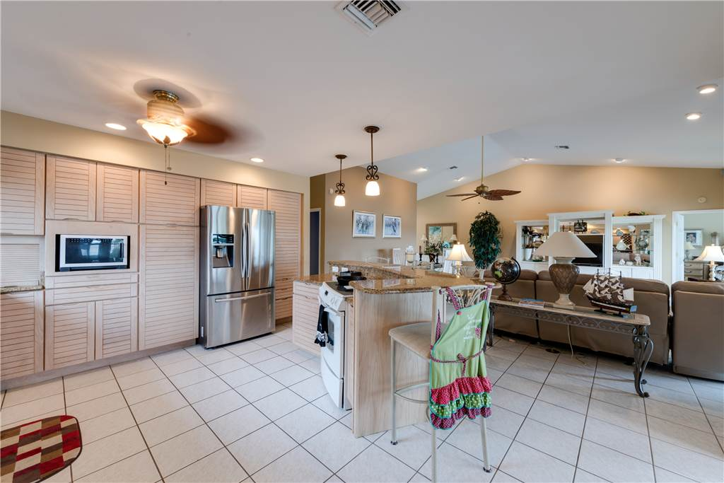 Lagoon Beach House 3 Bedrooms Walk to Gulf Private Pool Sleeps 6 House / Cottage rental in Fort Myers Beach House Rentals in Fort Myers Beach Florida - #6