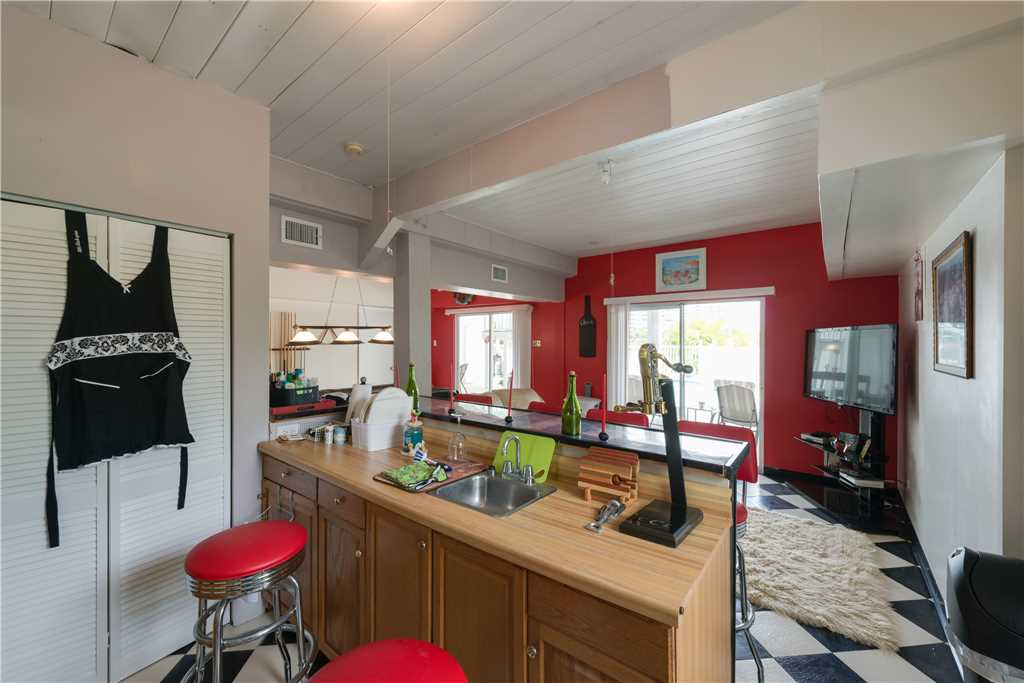 Lagoon Beach House 3 Bedrooms Walk to Gulf Private Pool Sleeps 6 House / Cottage rental in Fort Myers Beach House Rentals in Fort Myers Beach Florida - #15