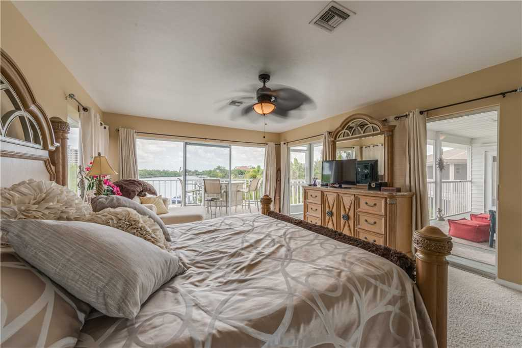 Lagoon Beach House 3 Bedrooms Walk to Gulf Private Pool Sleeps 6 House / Cottage rental in Fort Myers Beach House Rentals in Fort Myers Beach Florida - #17